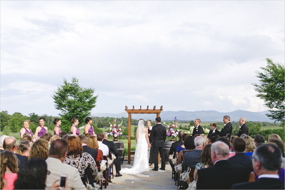 leslie-derek-crosskeys-vineyard-wedding-harrisonbug-va_0027
