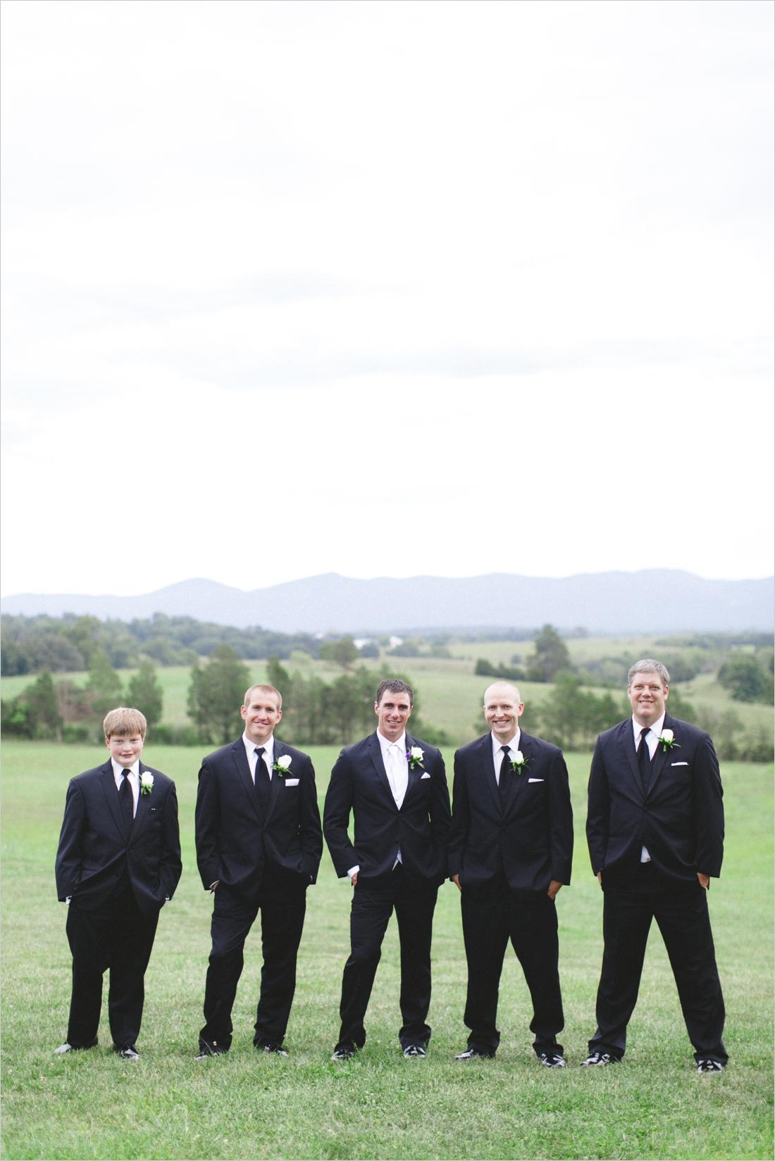 leslie-derek-crosskeys-vineyard-wedding-harrisonbug-va_0032