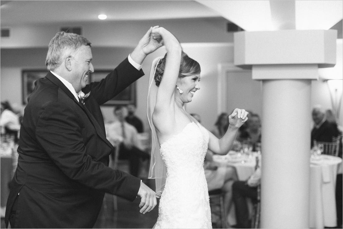 leslie-derek-crosskeys-vineyard-wedding-harrisonbug-va_0049