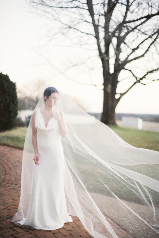 charlottesville-va-bridal-cathedral-veil_0001