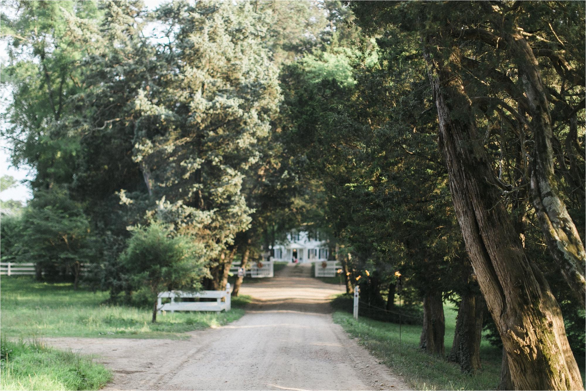 richmond-virginia-tuckahoe-plantation-coral-summer-wedding-stephanie-yonce-photos_0011.jpg