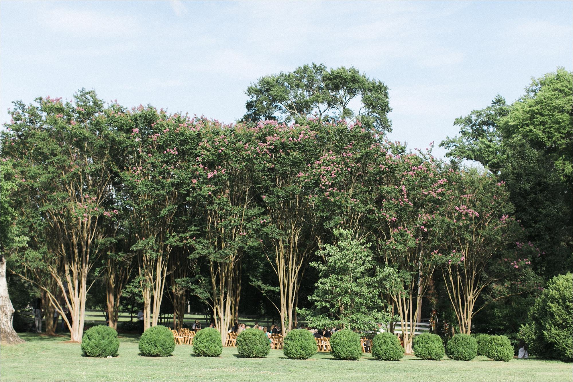 richmond-virginia-tuckahoe-plantation-coral-summer-wedding-stephanie-yonce-photos_0023.jpg