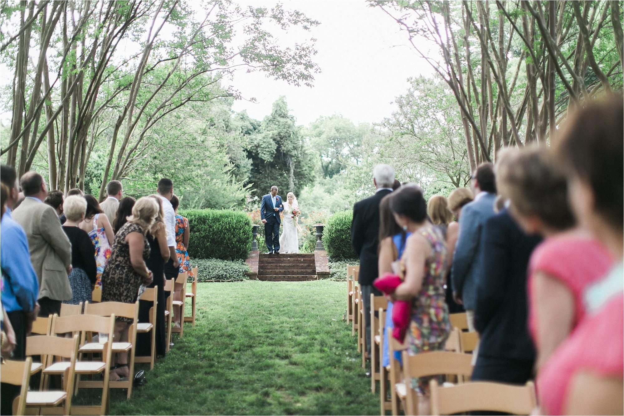 richmond-virginia-tuckahoe-plantation-coral-summer-wedding-stephanie-yonce-photos_0026.jpg