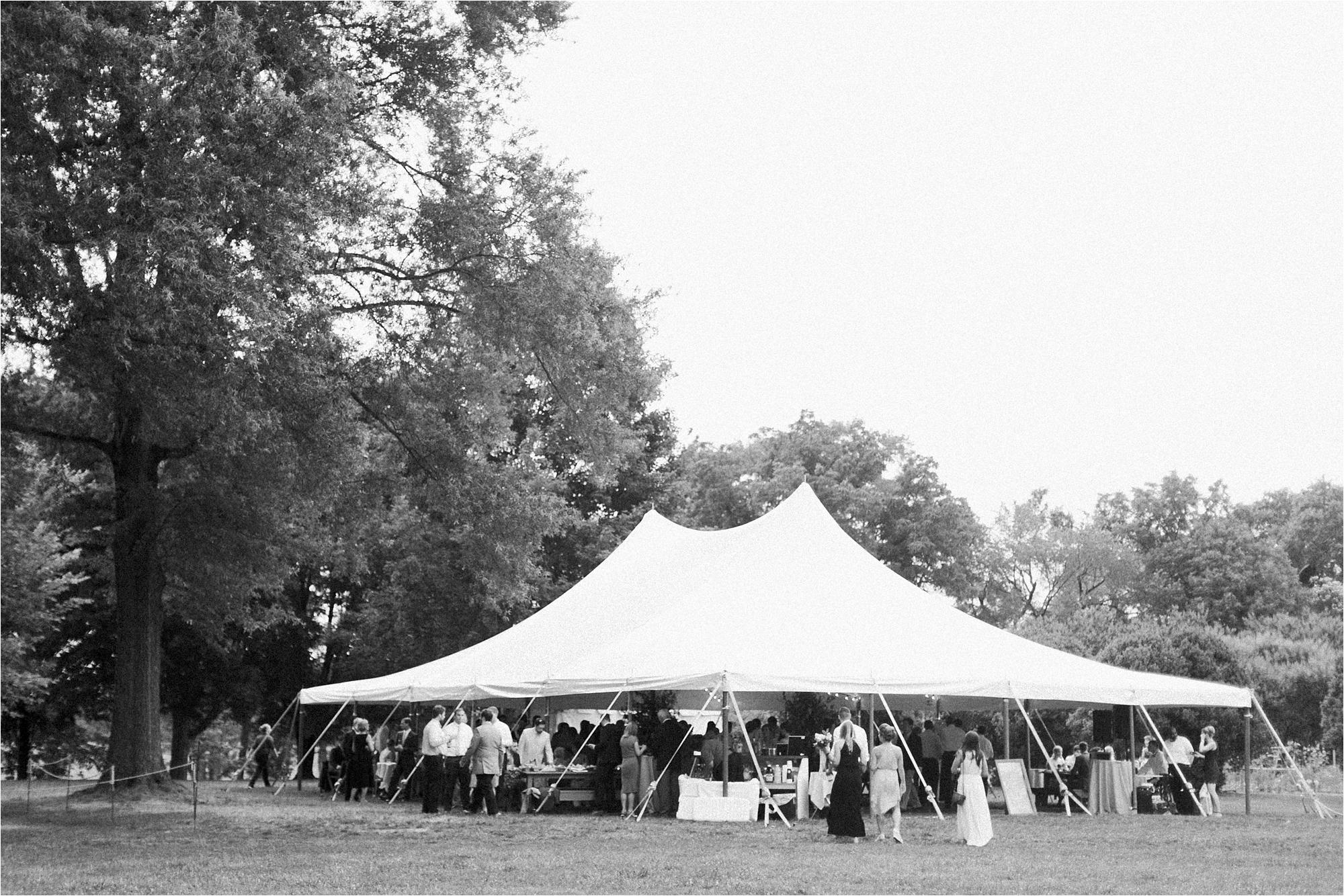 richmond-virginia-tuckahoe-plantation-coral-summer-wedding-stephanie-yonce-photos_0055.jpg