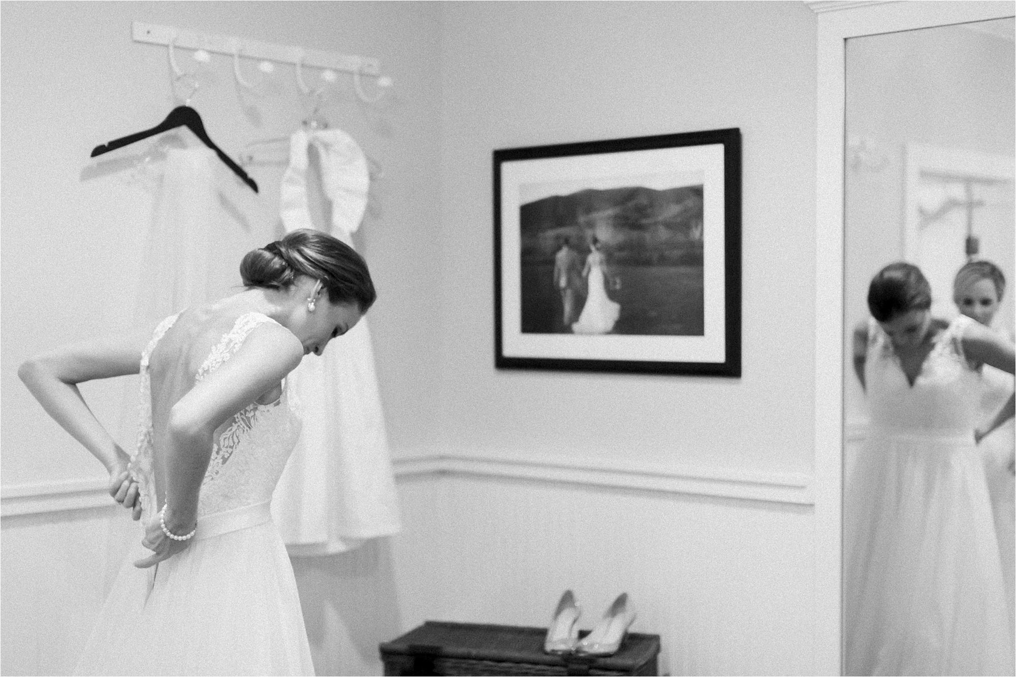 stephanie-yonce-charlottesville-virginia-king-family-vineyard-wedding-photos_0006.jpg