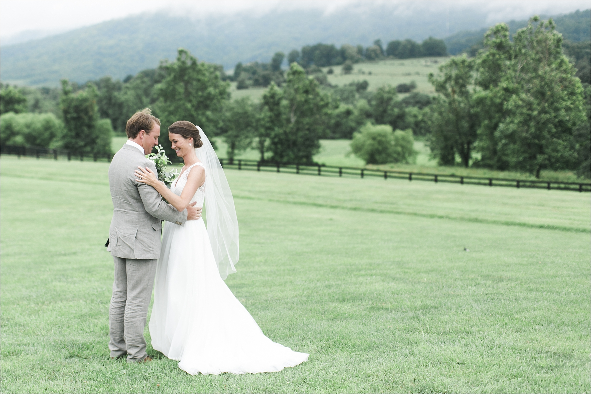 stephanie-yonce-charlottesville-virginia-king-family-vineyard-wedding-photos_0011.jpg