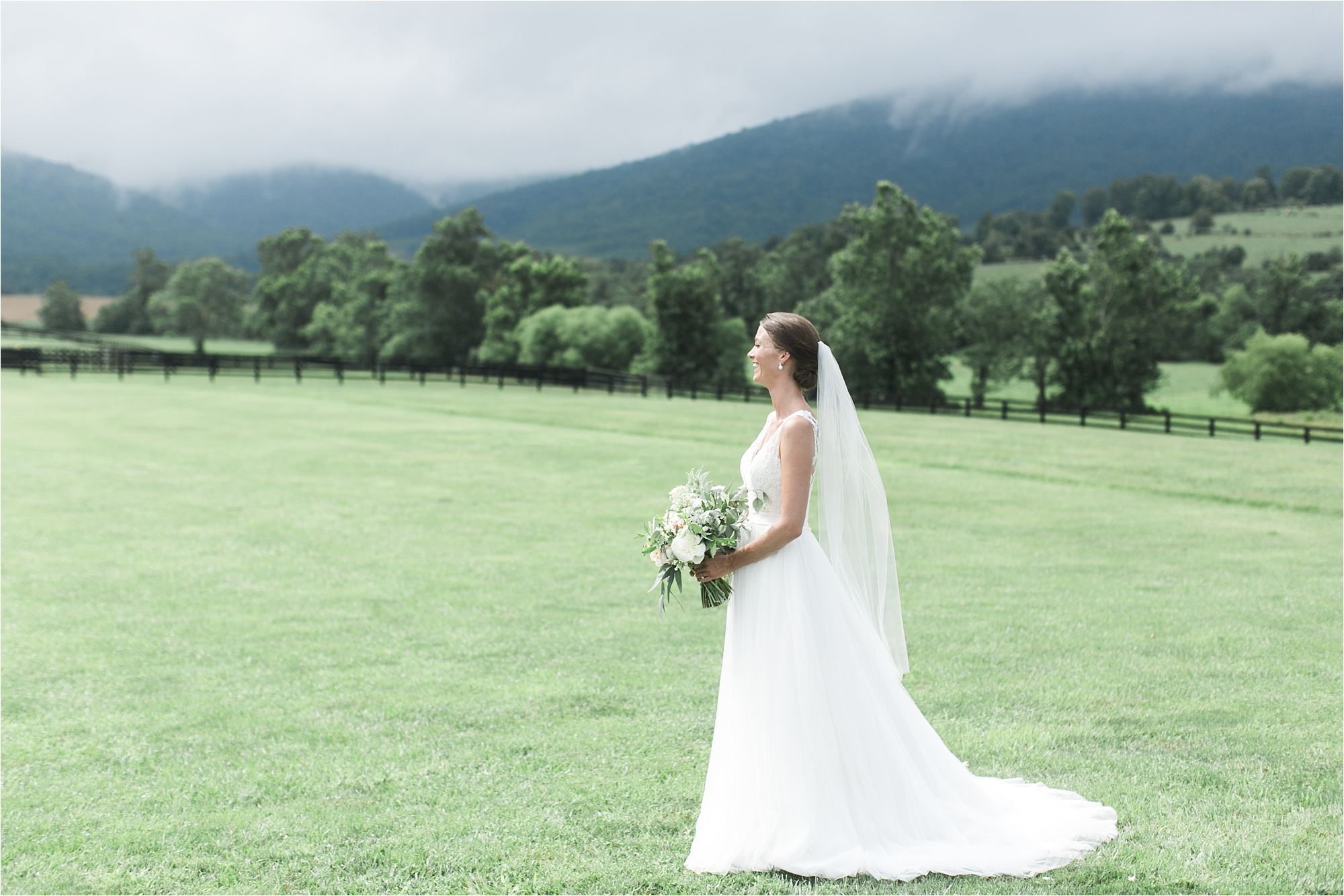 stephanie-yonce-charlottesville-virginia-king-family-vineyard-wedding-photos_0019.jpg