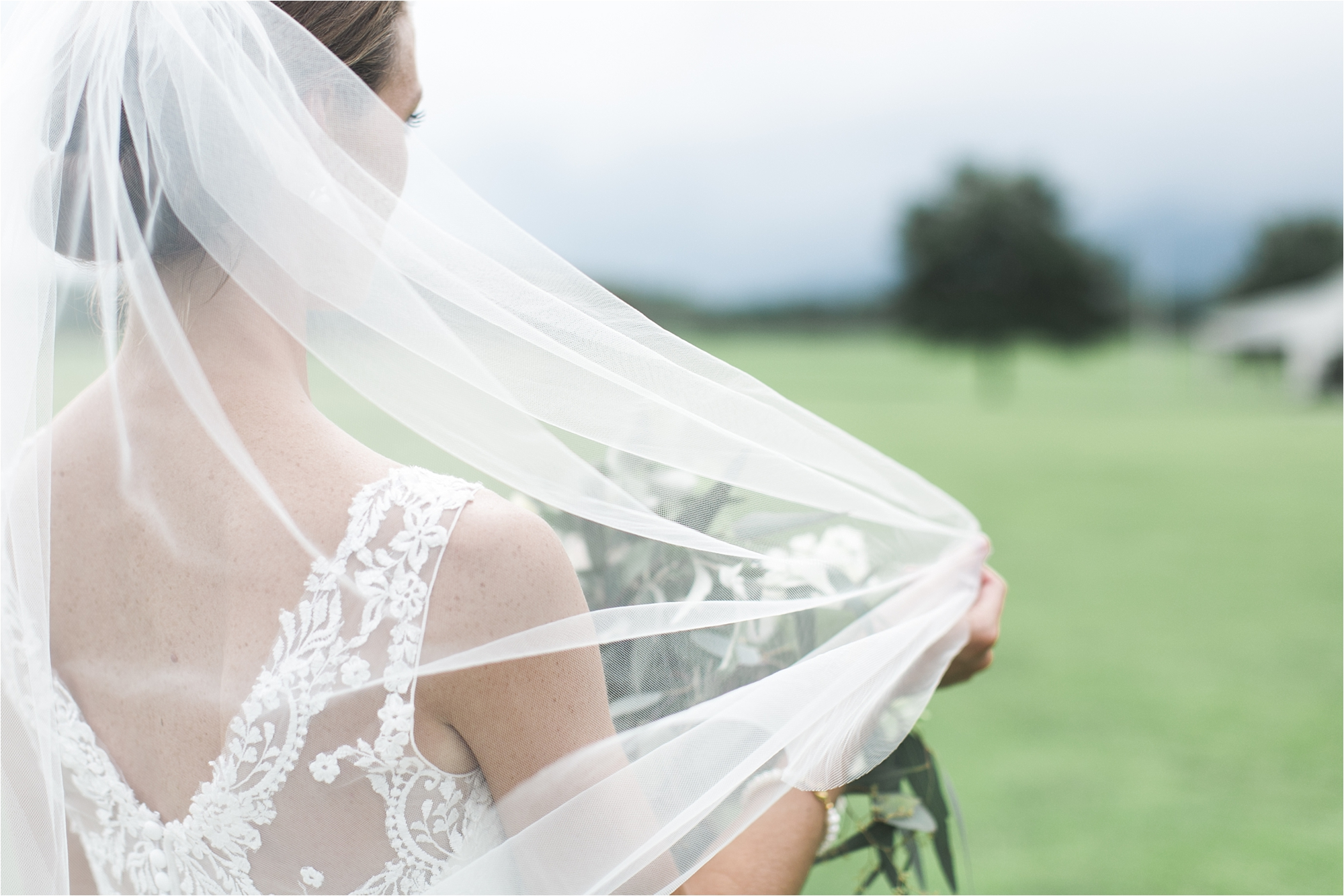 stephanie-yonce-charlottesville-virginia-king-family-vineyard-wedding-photos_0020.jpg