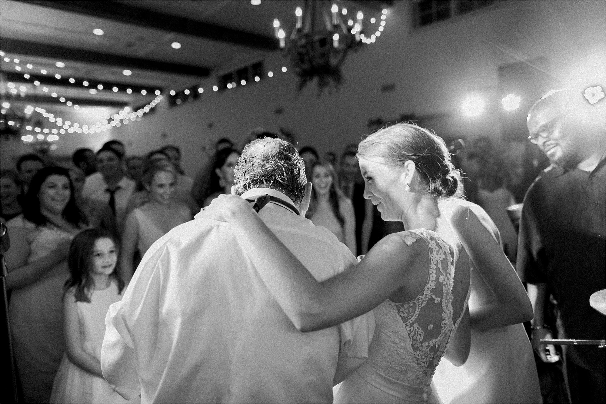 stephanie-yonce-charlottesville-virginia-king-family-vineyard-wedding-photos_0066.jpg