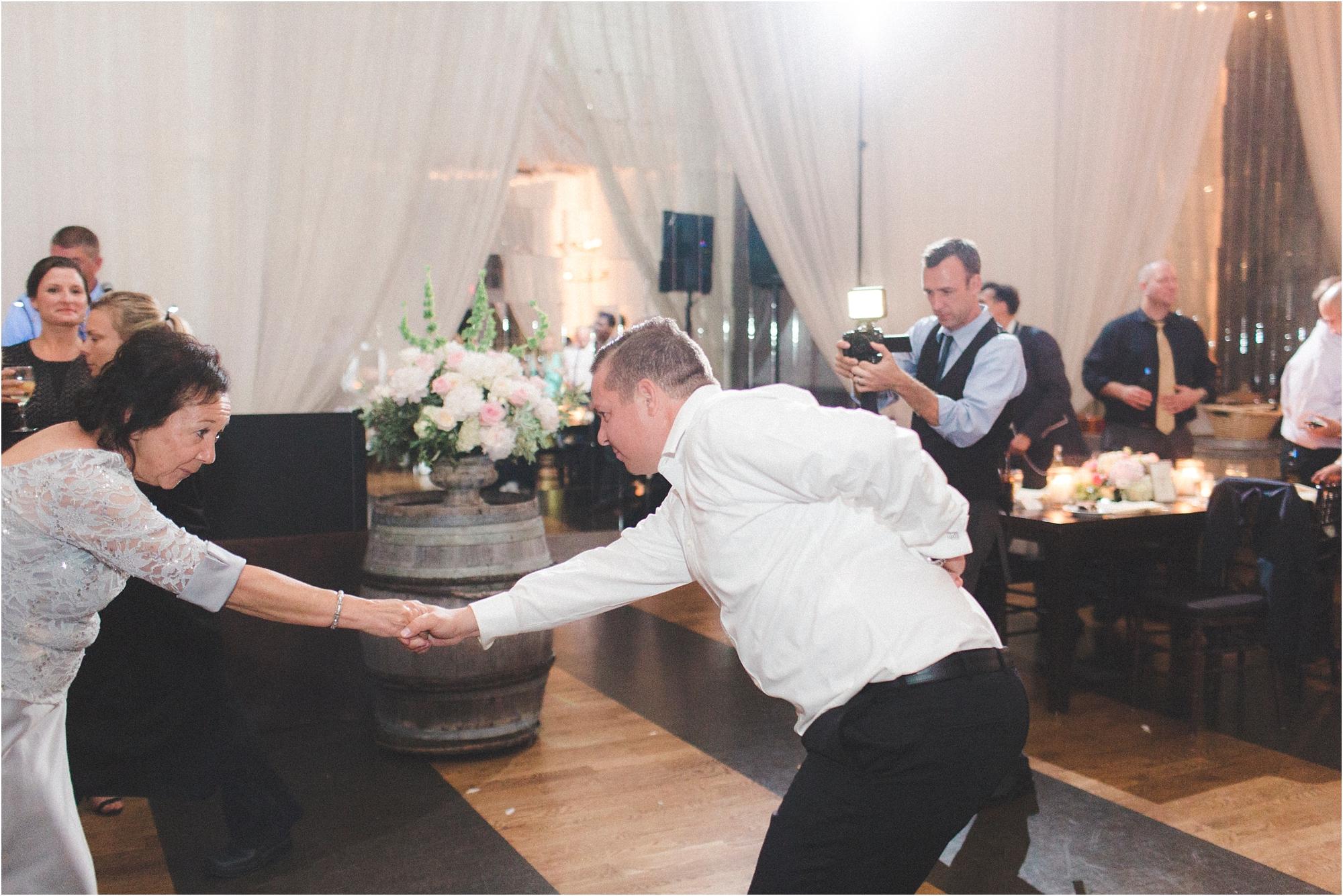 liz-mike-veritas-winery-charlottesville-virginia-wedding-photos_0044.jpg