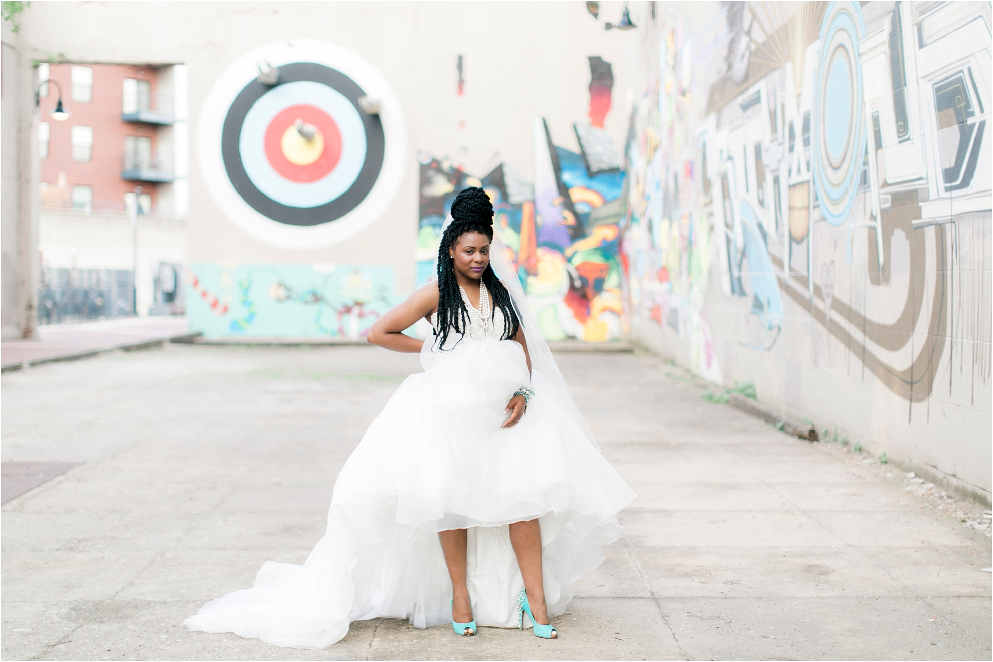 urban-set-bride-richmond-virginia-street-art-bridal-session-photos_0005.jpg