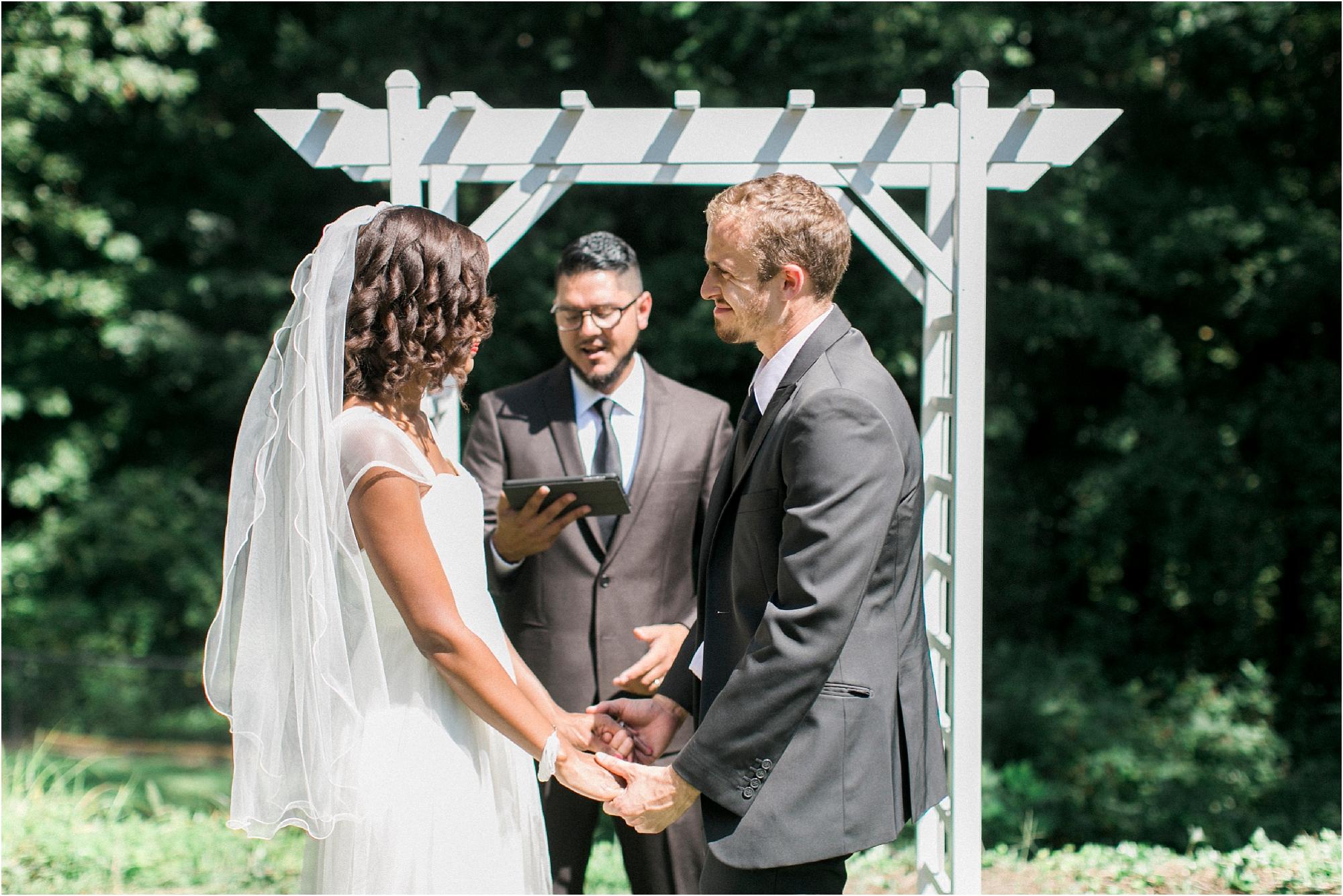 inimate-richmond-virginia-backyard-summer-wedding-photos_0009.jpg