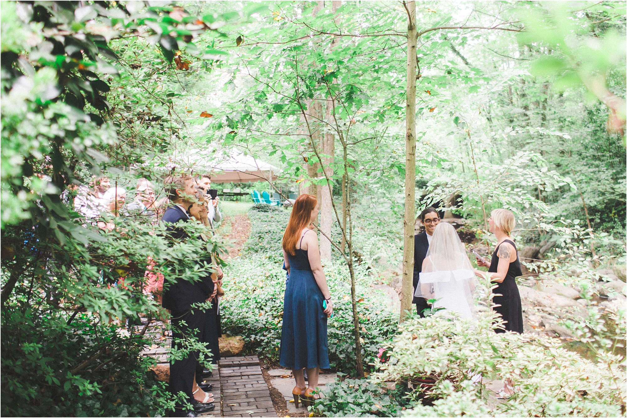 intimate-wooded-backyard-richmond-virginia-wedding-photo_0003.jpg