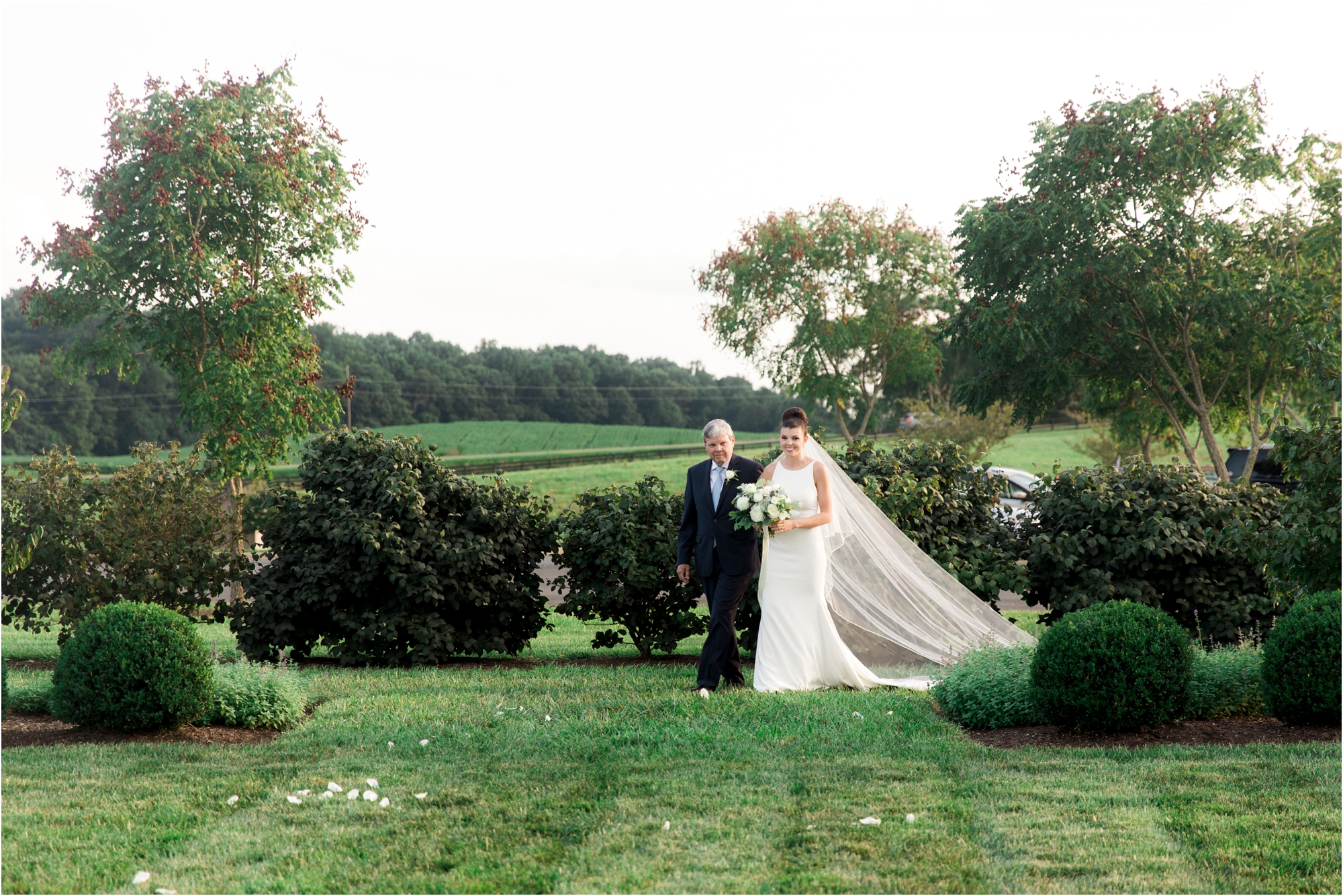 michelle-george-early-mountain-vineyard-charlottesville-virginia-wedding-photos_0021.jpg