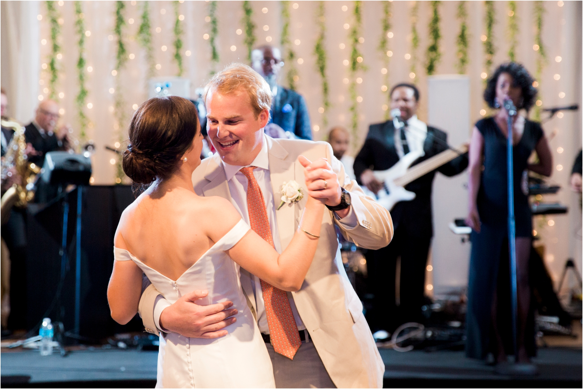claire-thomas-farmington-country-club-charlottesville-virginia-wedding-photos_0039.jpg
