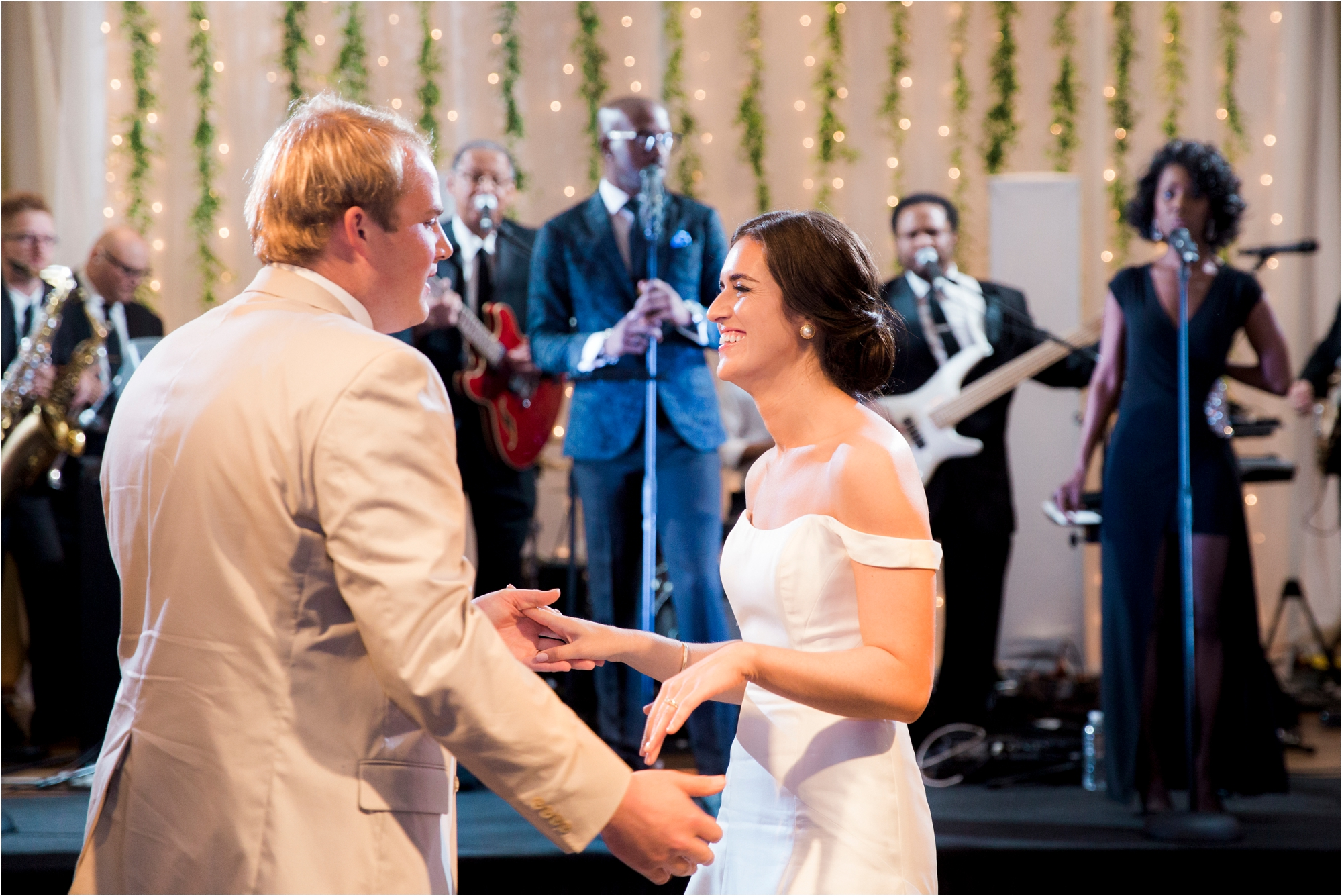 claire-thomas-farmington-country-club-charlottesville-virginia-wedding-photos_0041.jpg