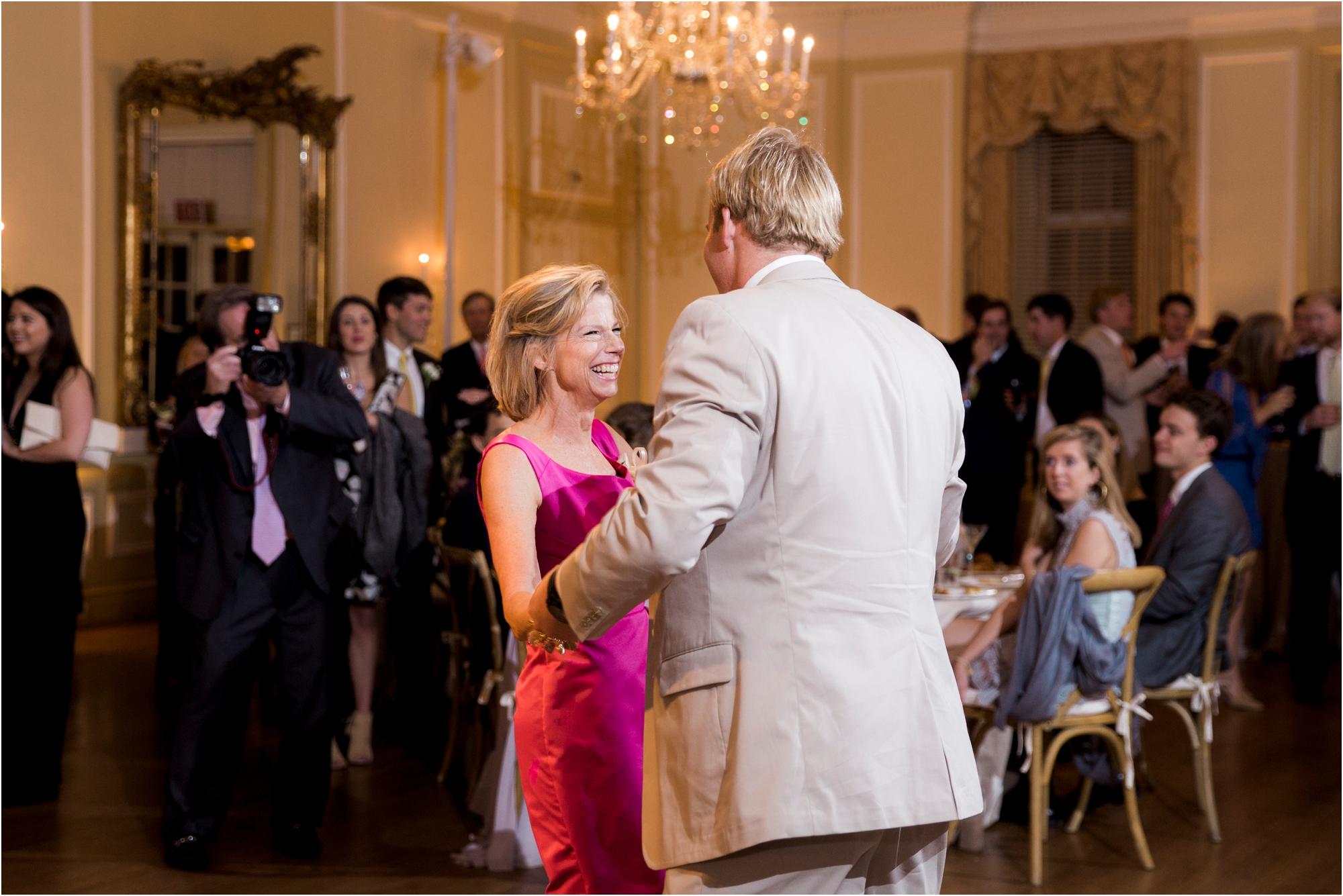 claire-thomas-farmington-country-club-charlottesville-virginia-wedding-photos_0045.jpg