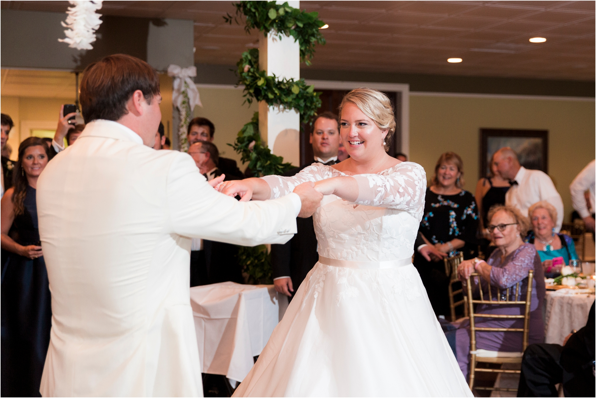 rachel-robert-chesapeake-inn-urbanna-virginia-wedding-photos_0025.jpg