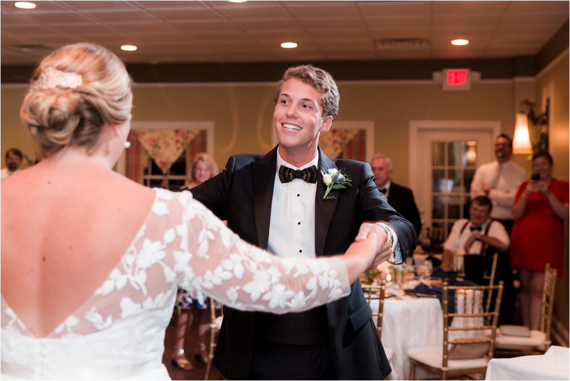 rachel-robert-chesapeake-inn-urbanna-virginia-wedding-photos_0028.jpg