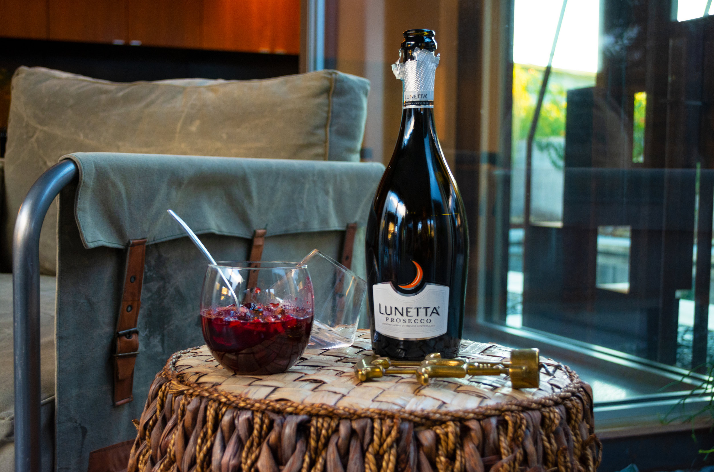 Holiday Bellinis with Lunetta | The Modern Otter