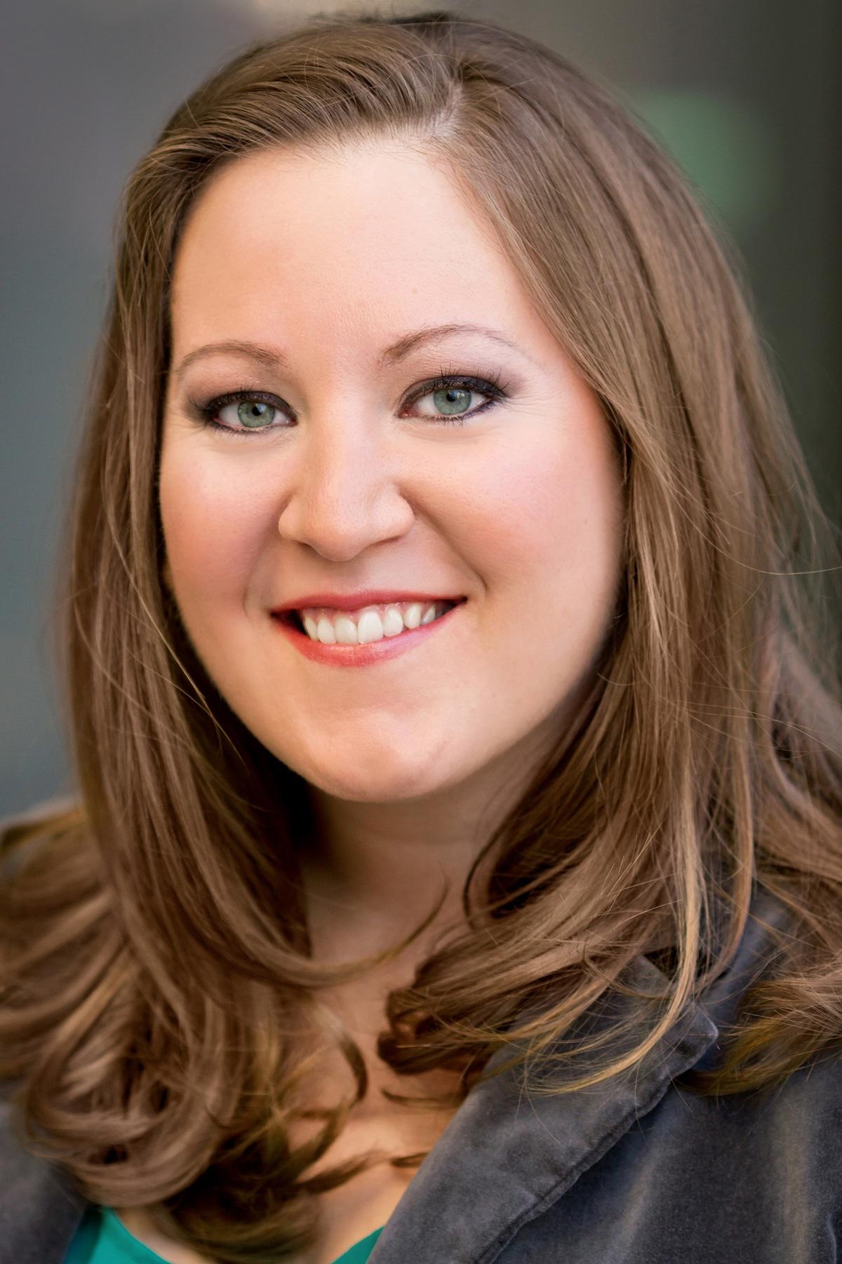 Clara Osowski Headshot.jpg