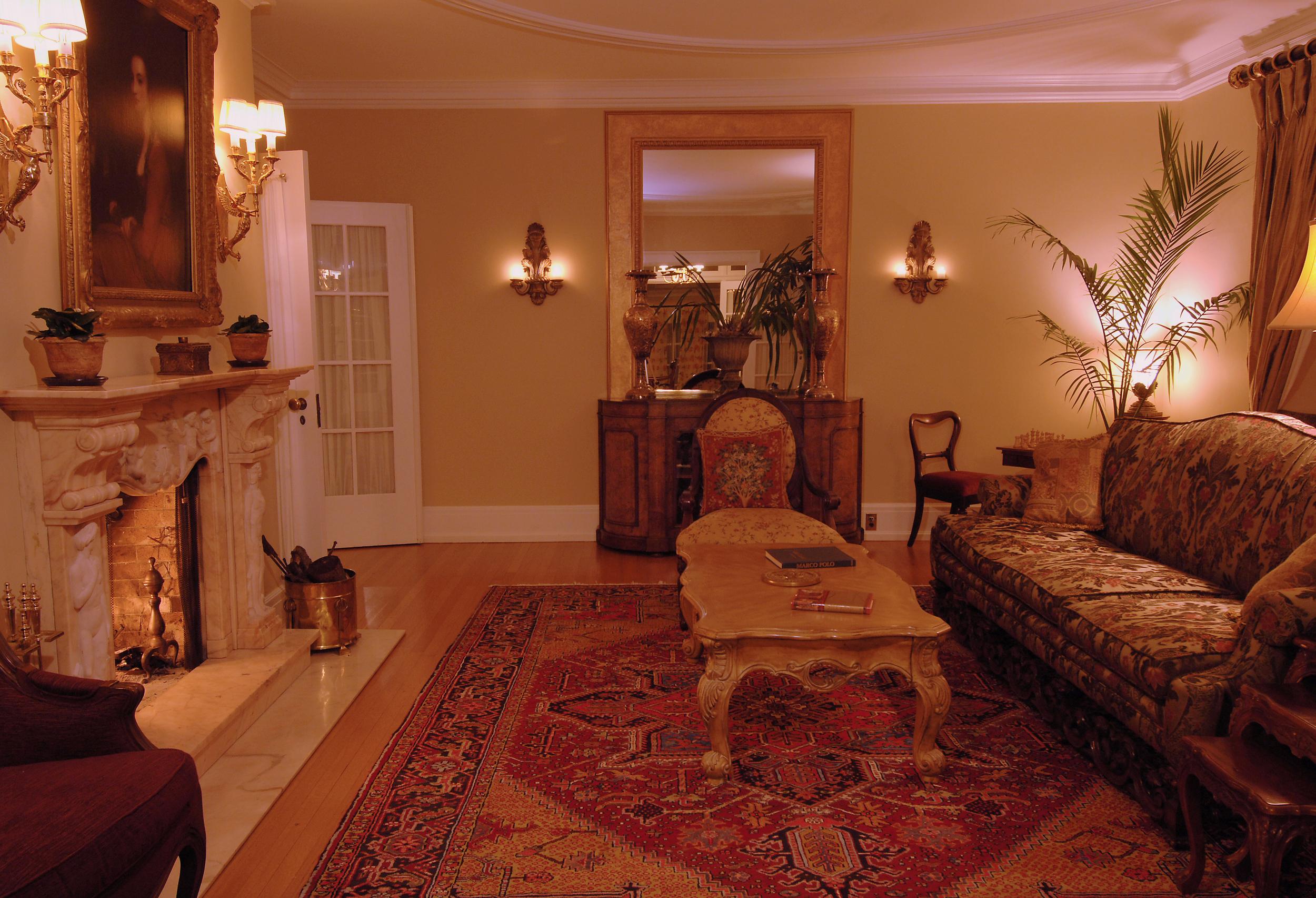 living_room_6570.jpg