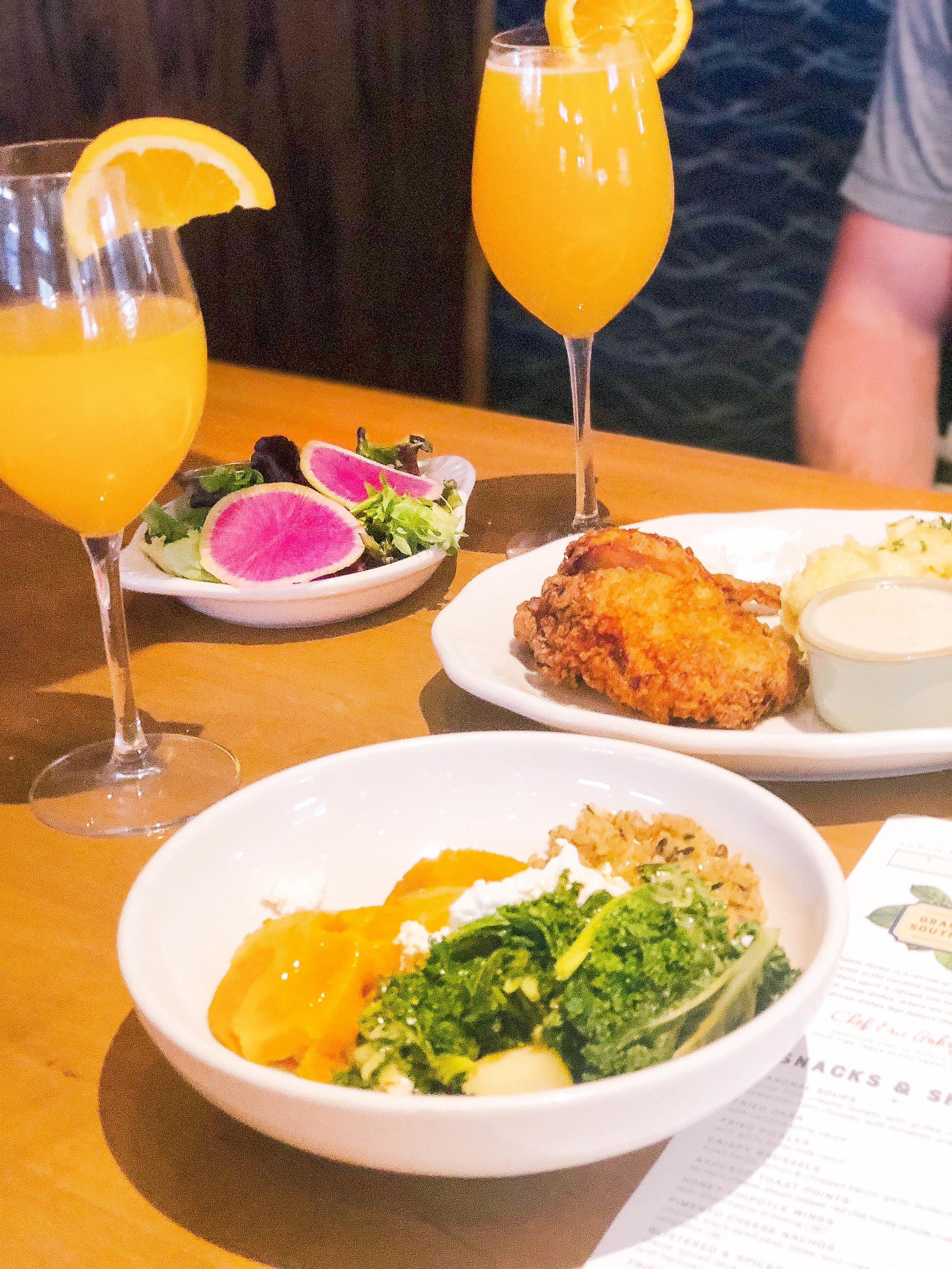 Mimosas & Mains