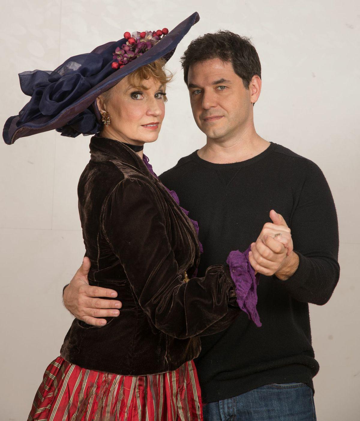 Krissy Richmond and John Grimeon as Anna and Matt