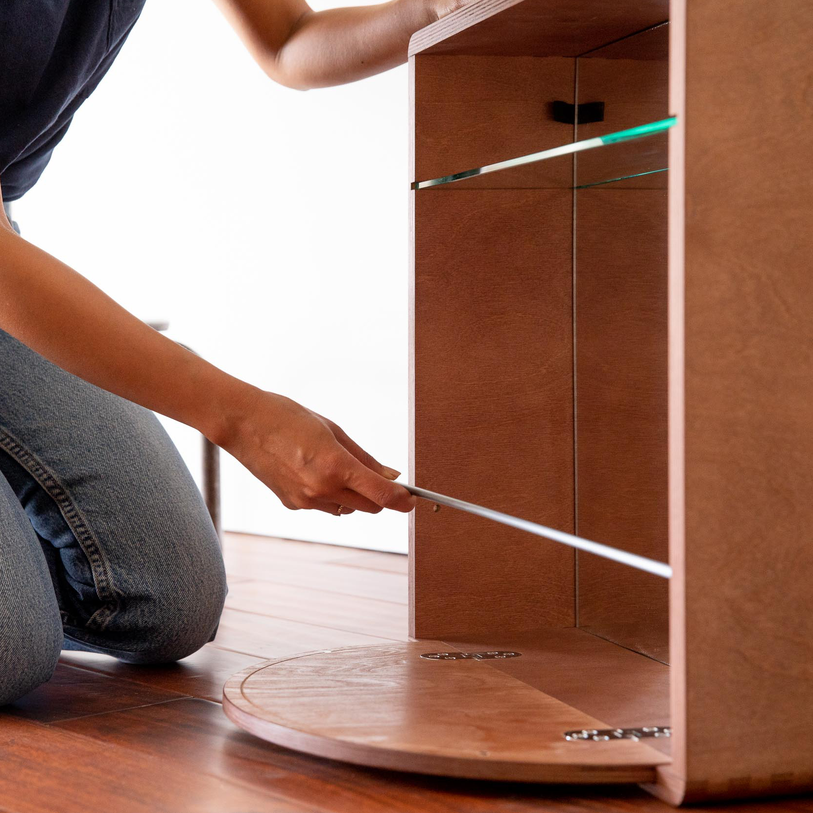 housevh-how-to-install-wall-cases-2b.jpg