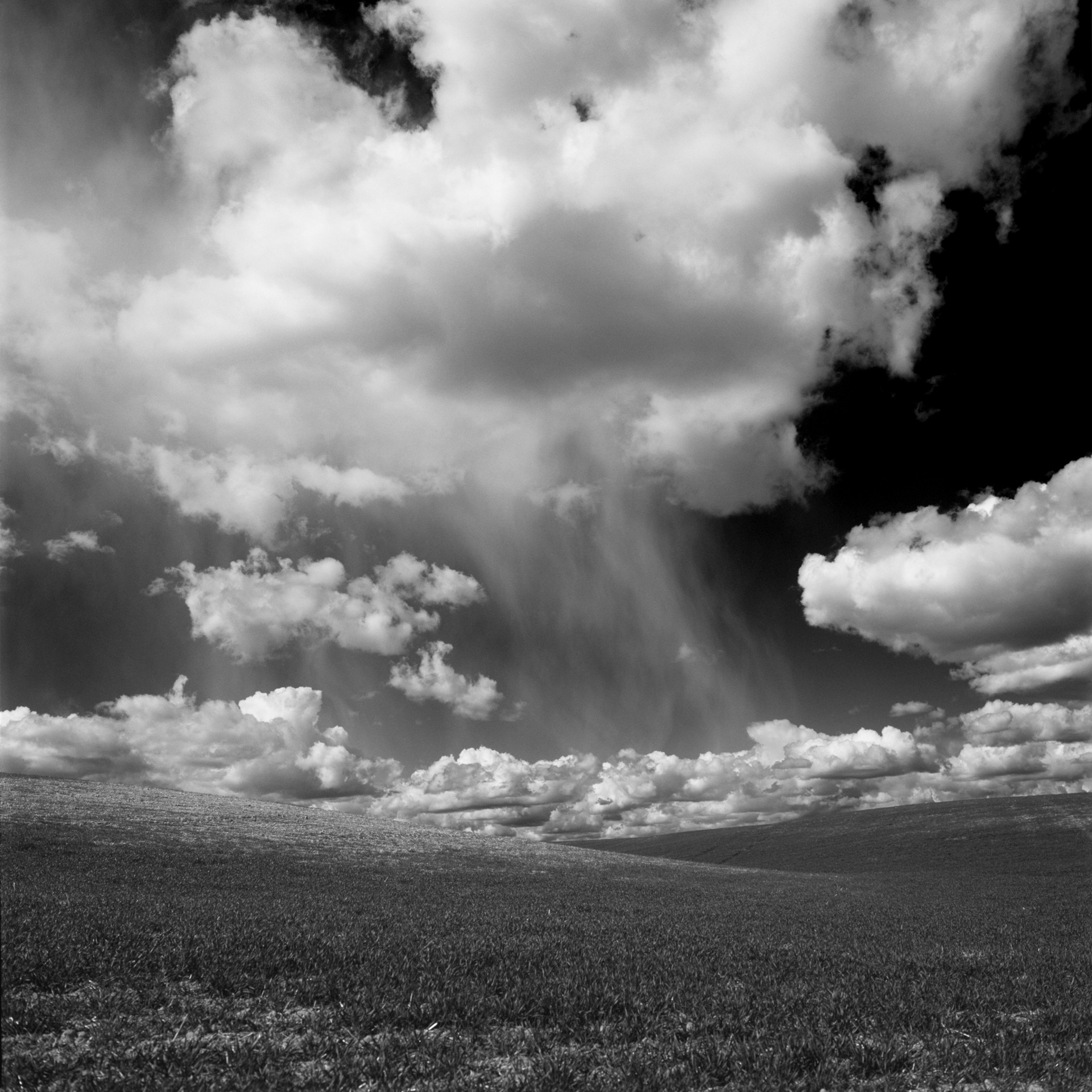 cloudghost_bw1920.jpg