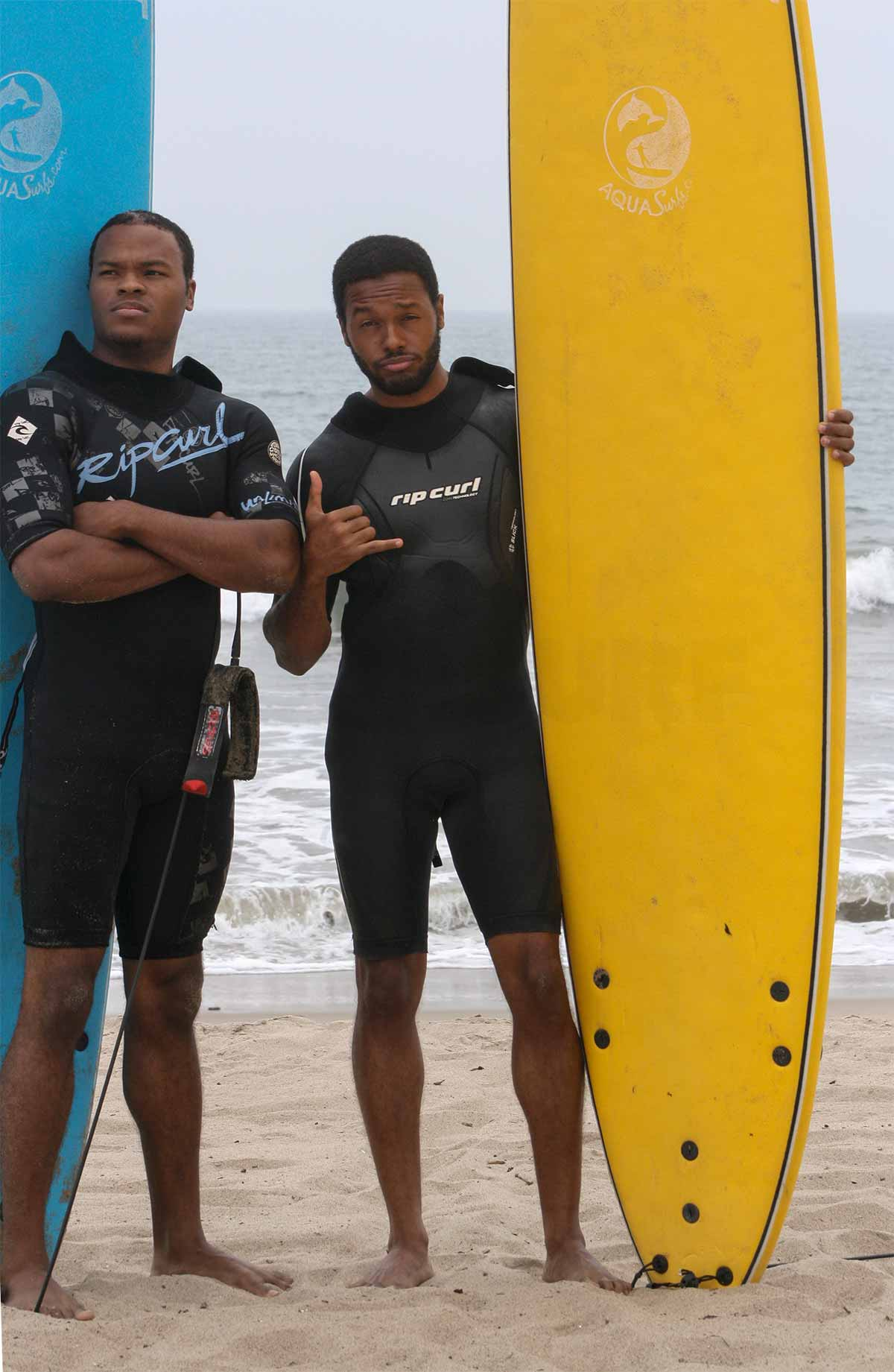 friends-surf-lessons.jpg