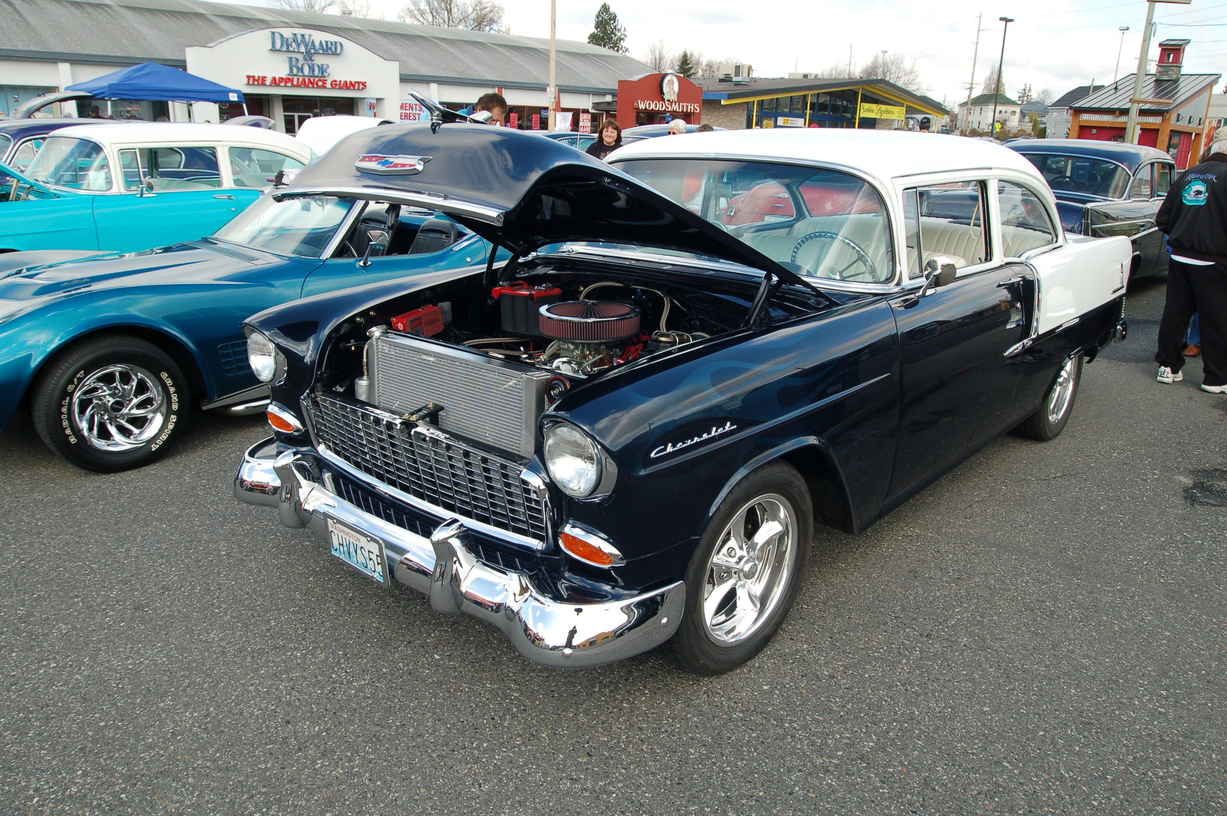 Chevaliers 55 Chevy.JPG