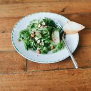Sałata z gorgonzolą i karmelizowaną gruszką