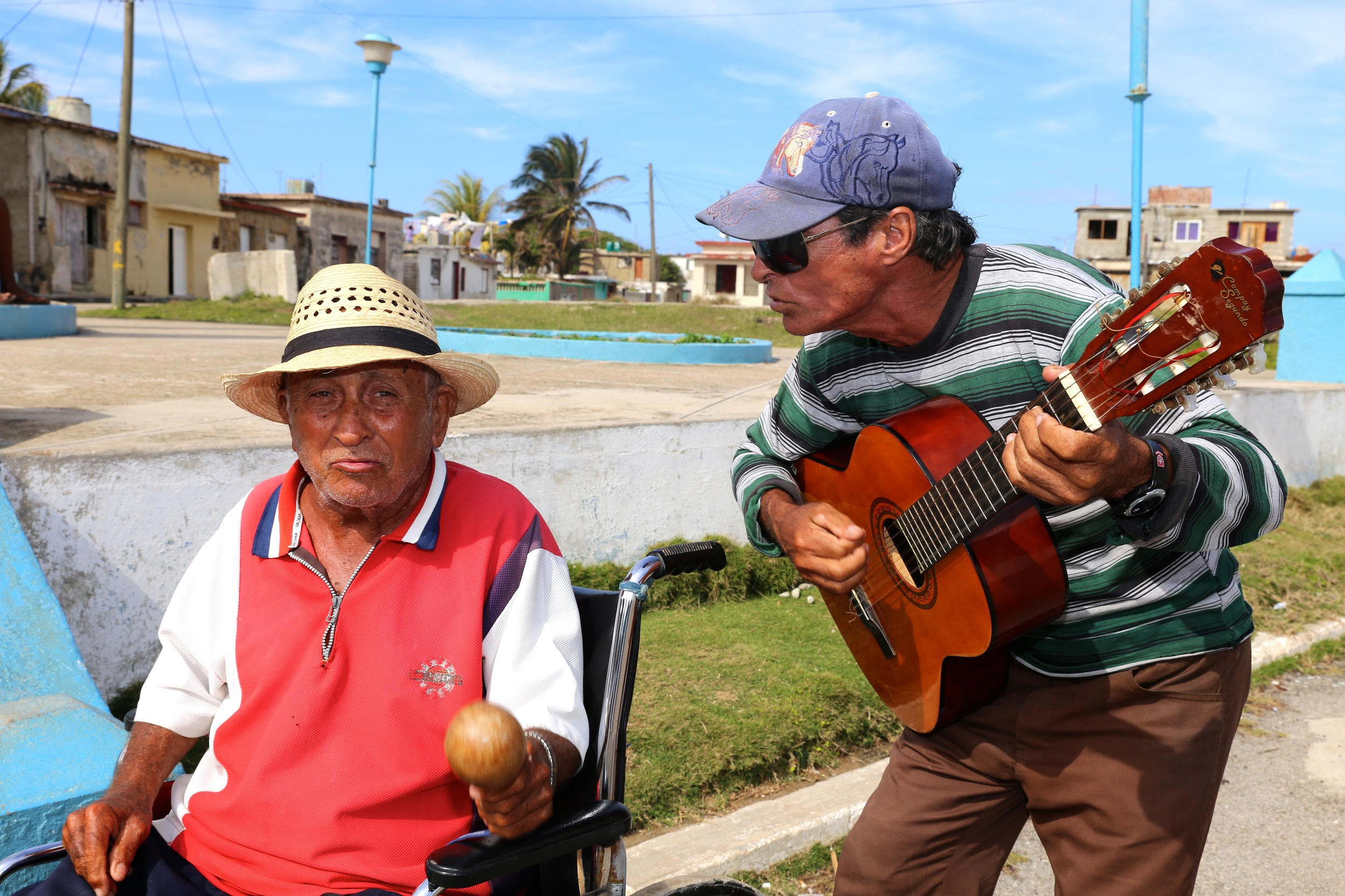 """Serenaded by this duo who sang, """"Bailando"""" by Enrique Iglesias"""