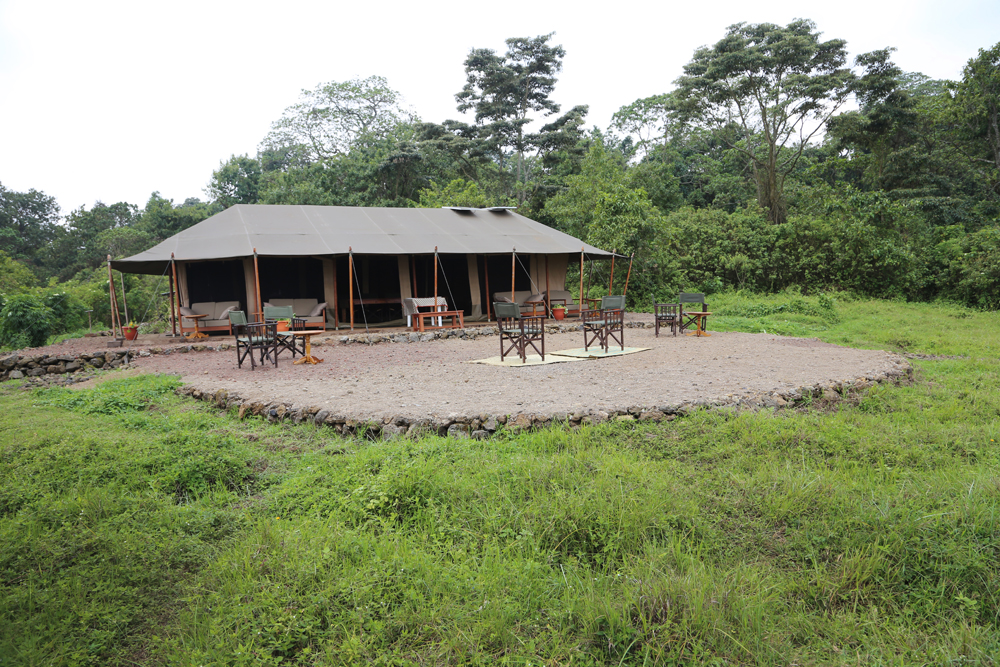 Bukima tented camp - the dining and lounge tent