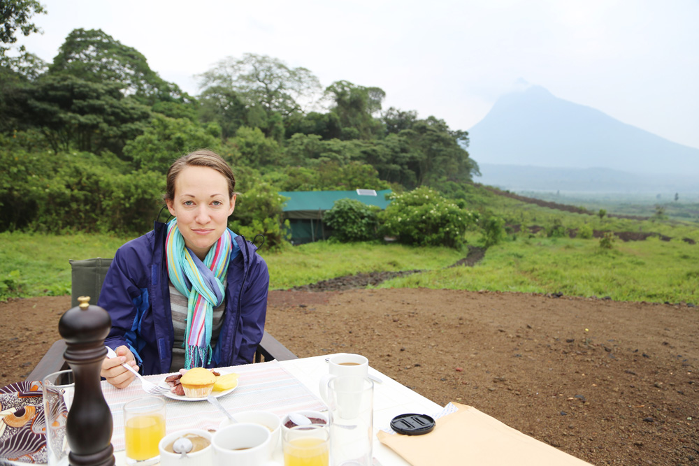 Breakfast in front on Mikeno Volcano