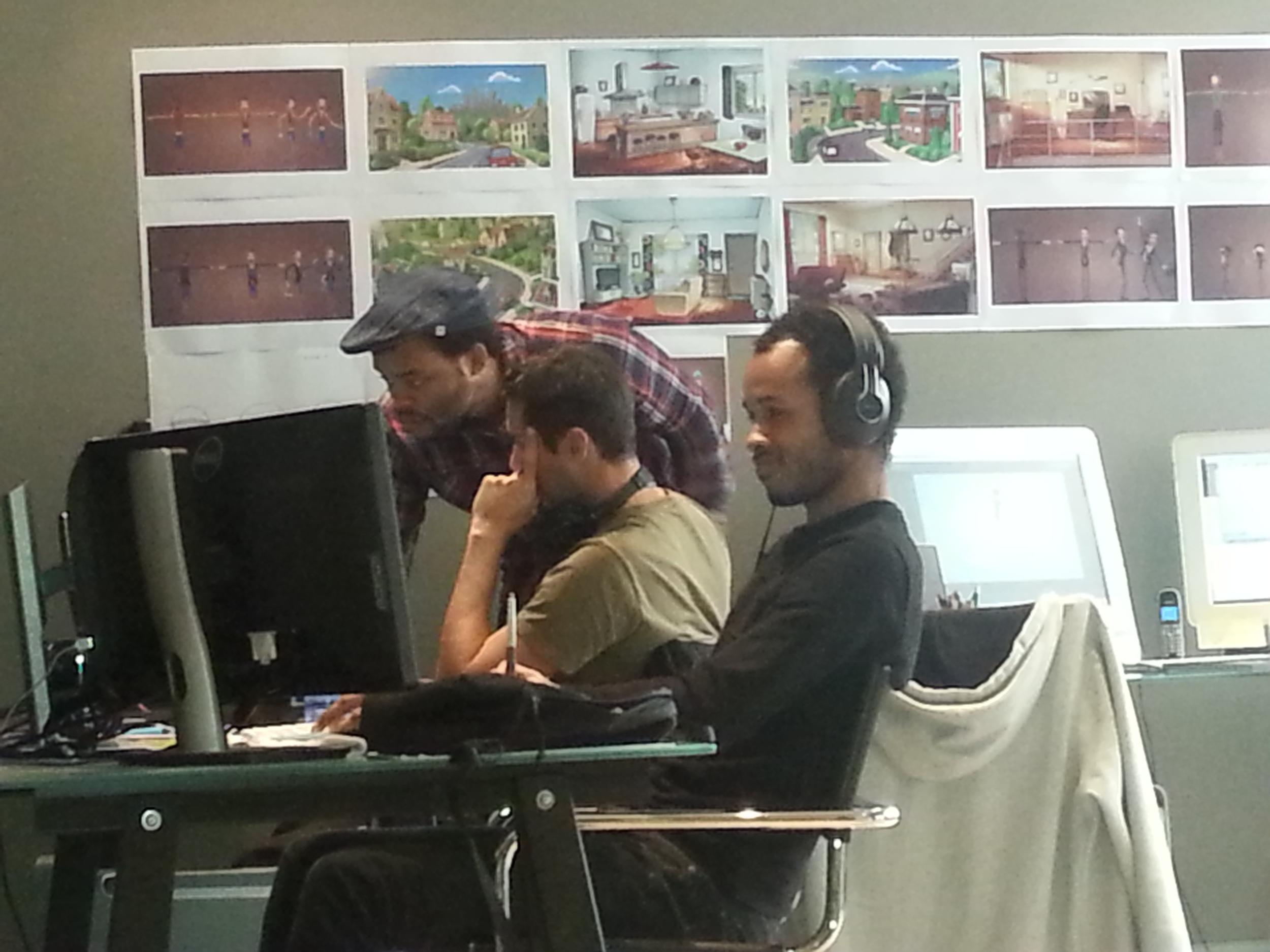 @lephotograhenestpastresbon  Une partie de l'équipe en plein travail.