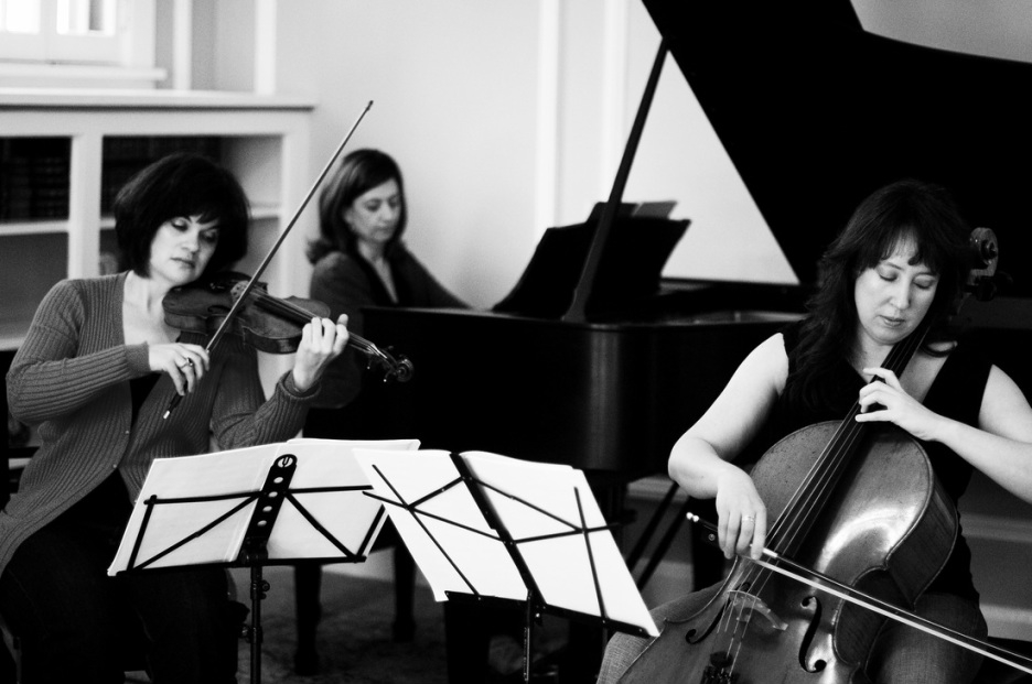 The Calyx Piano Trio gives the world premiere of  kiss to the earth  in June 2013
