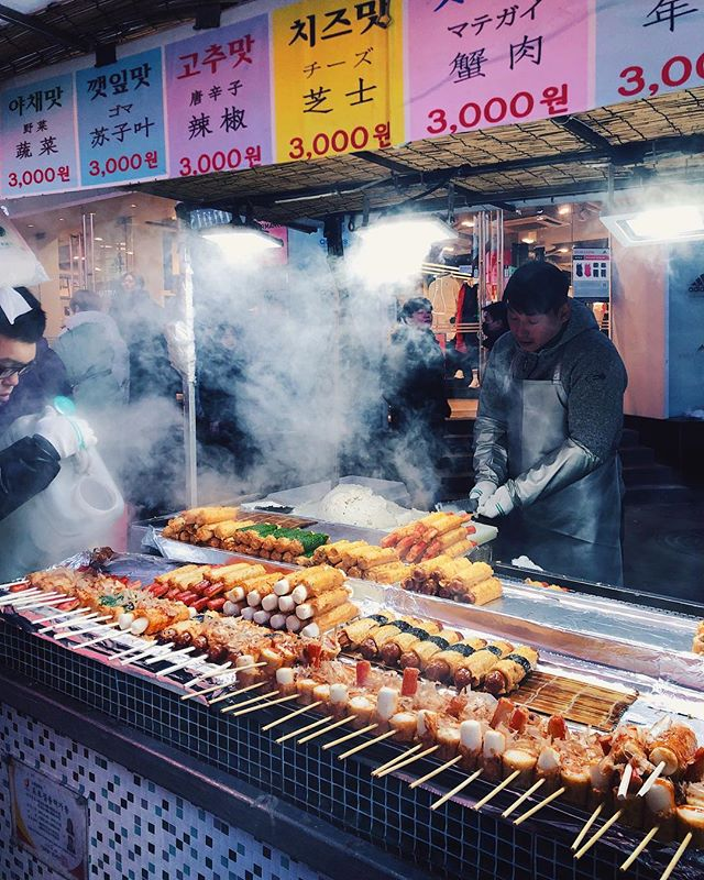 Is it okay to eat only street food for a week straight? 🧐