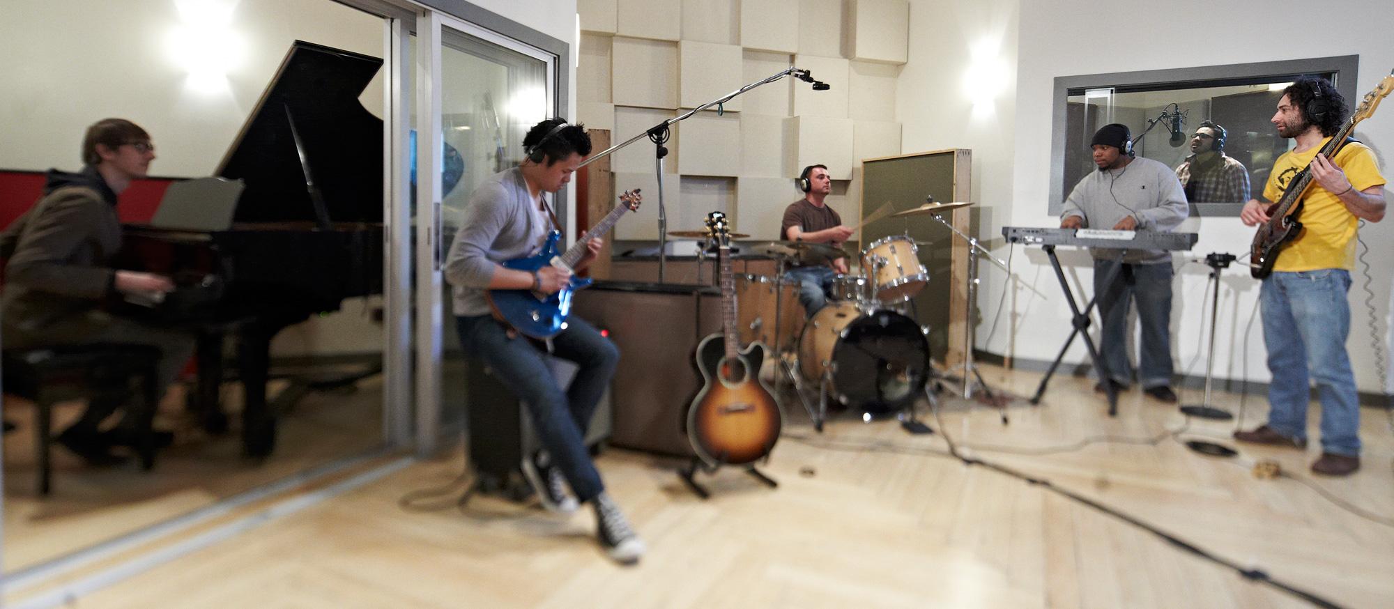 Mezz Live Room