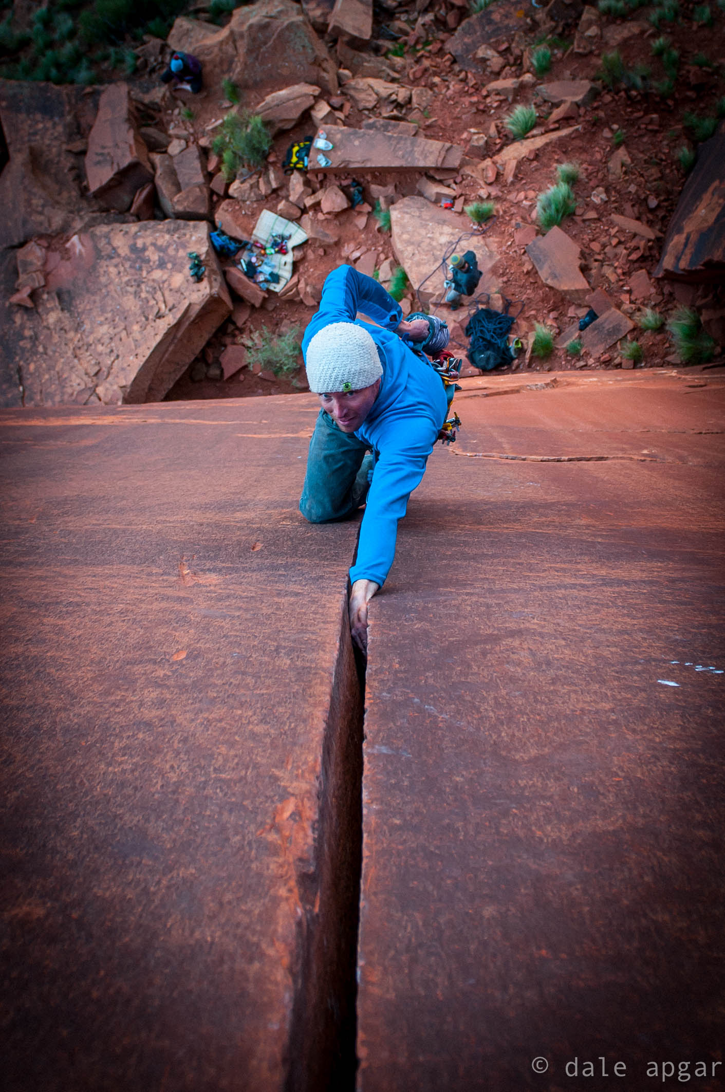 Jed Porter experiencing hand jam heroics at the Cliffs of Insanity