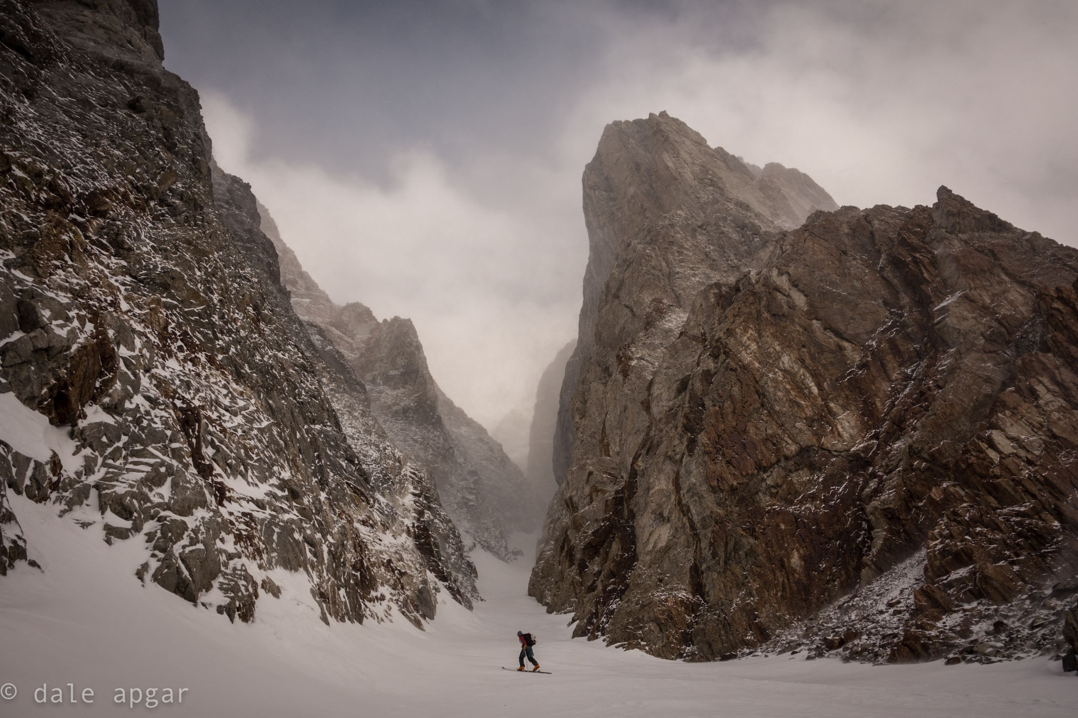 Starting the ascent of the Pinner Couloir