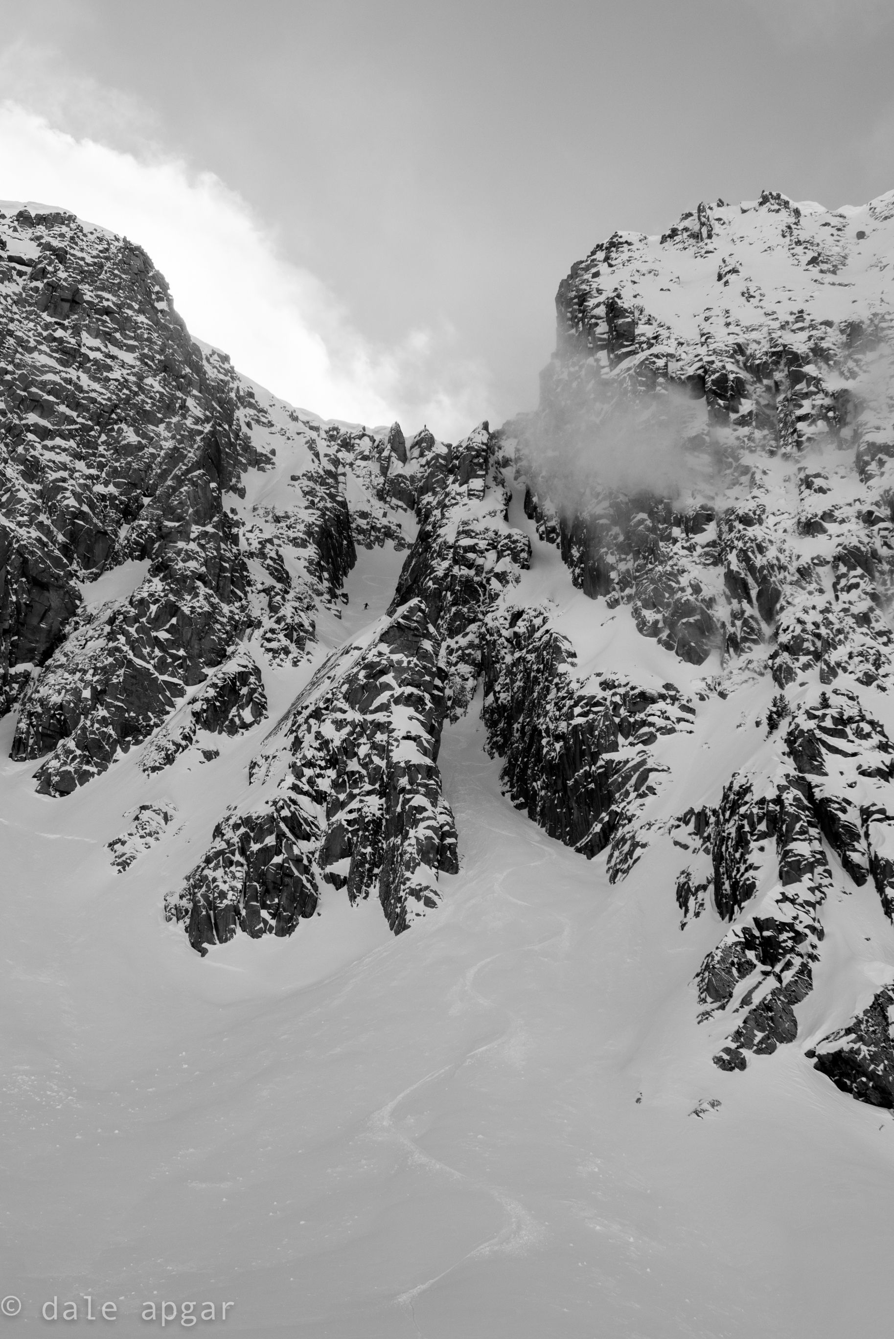Ripper chute in all time conditions. Bonus points for spotting both humans in the capture
