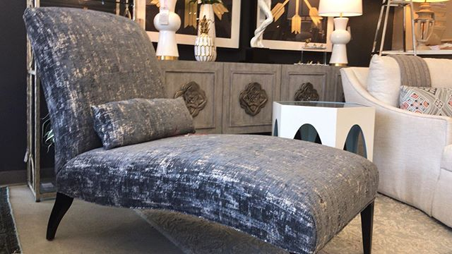 It's Monday! We're open and ready to great our great customers. This gorgeous chaise sold over the weekend. But, we can order a custom one for you! #design #designer #interiors #interiordesign