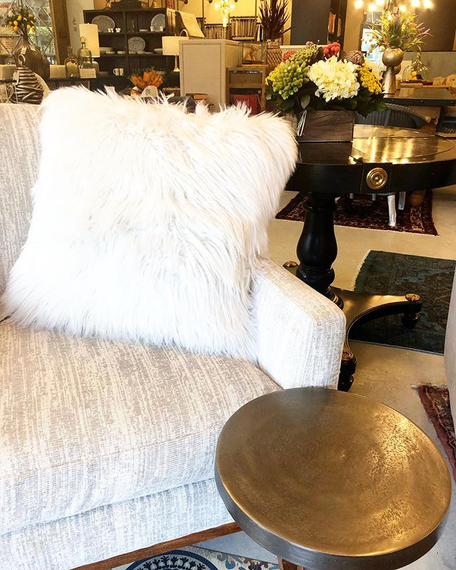 Grab a seat and escape the heat this weekend at Darby Road Home! 🔥 We've got some hot summer deals on the coolest items for your home. #bostonbusinesswomen #bostoninteriordesign #shopboston