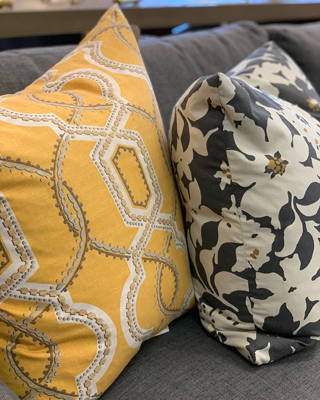 Would love to be snuggled up with these beautiful pillows instead of working, but what can you do? At least it's hump day! . . . . . . #drh #drhstyle #drhstyleblog #interiordesign #interiors #interiorsforall #furniture #design #interiorsofboston #homedecor #decor #homeaccents #accessories #homeaccessories #shopsmall #shoplocal #smallbusiness #newenglandhomes #customupholstery #home #bestofboston