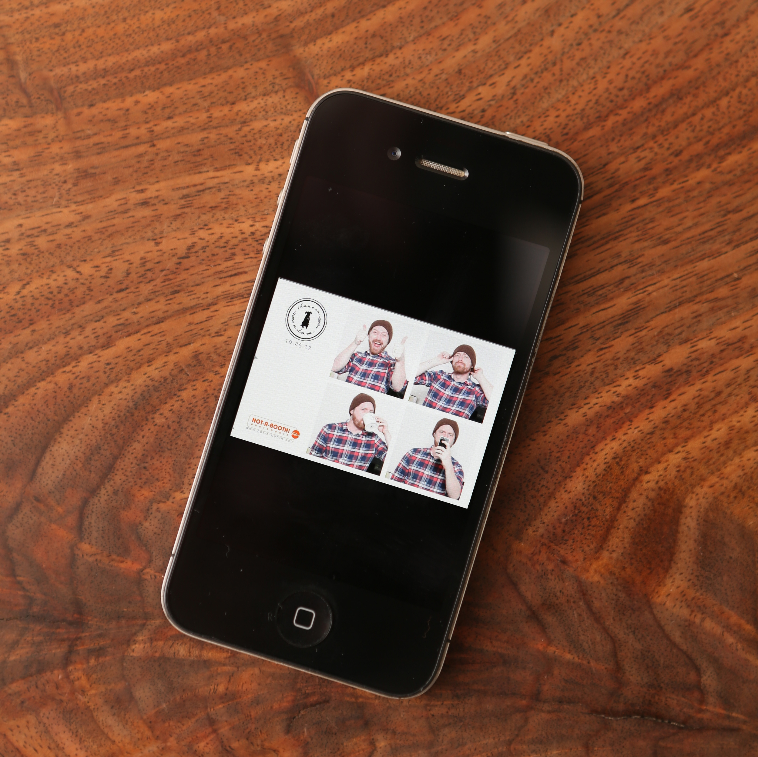 Instantly delivers images straight from the booth to your phone via MMS!
