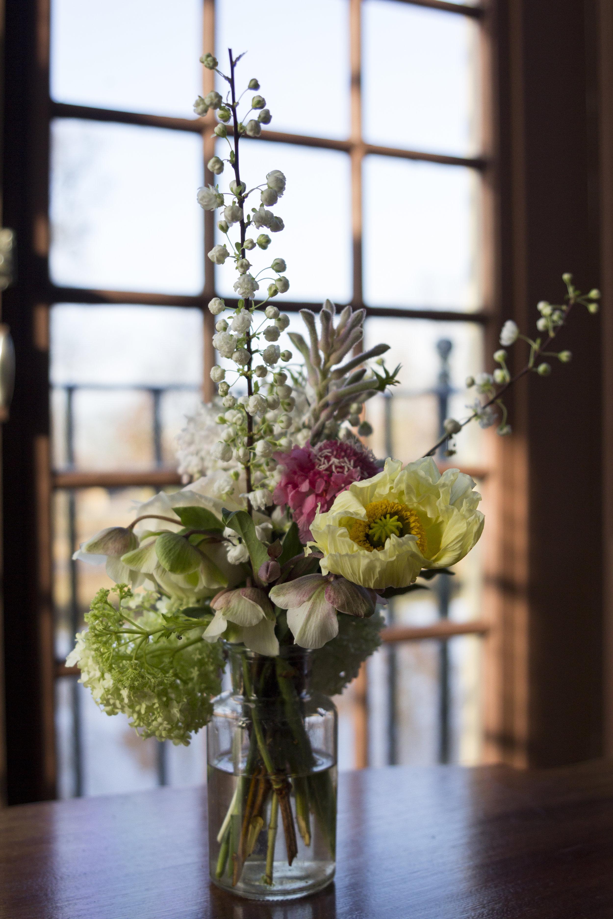 #apbloem #florist #wedding #trouwlocatie #trouw #waterways #holland #manorhouse #Klassiek #Landelijk #Romantisch #groen #Noordholland # wedding # Love #marriage #bride #groom #trompenburgh #bloemist #shop #kerkstraat #bloemen #stijl #styling #floristry #bloemenwinkel #colour #kleur #arrangement #floral #artisan #handmade #goldenage #luxury #VerenigingHendrickdeKeyser #vip #bruid #bridal #Receptie #diner #tafels #Kastelen #herenhuizen #aisle #bouquet #boeket #vaas #vase