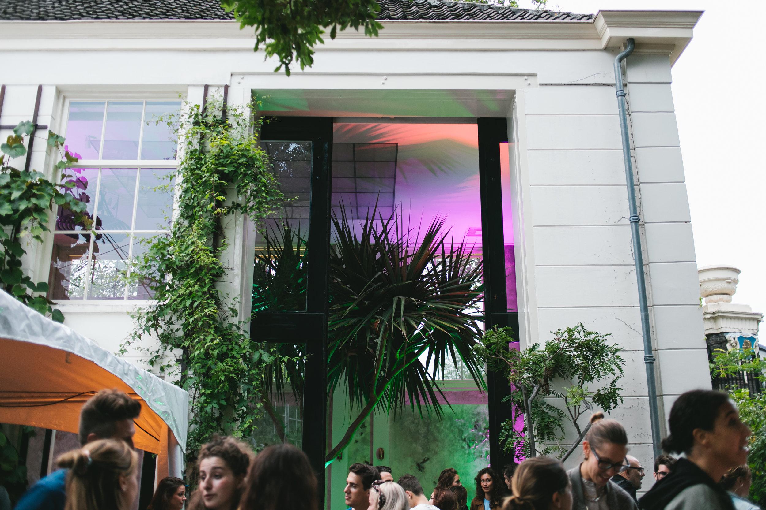 Krem de la krem Lois fashion event A.P Bloem De Hortus Botanicus Flowers Amsterdam bloemist Bloemen evenement table decoration styling decoratie Tree Boom Palm