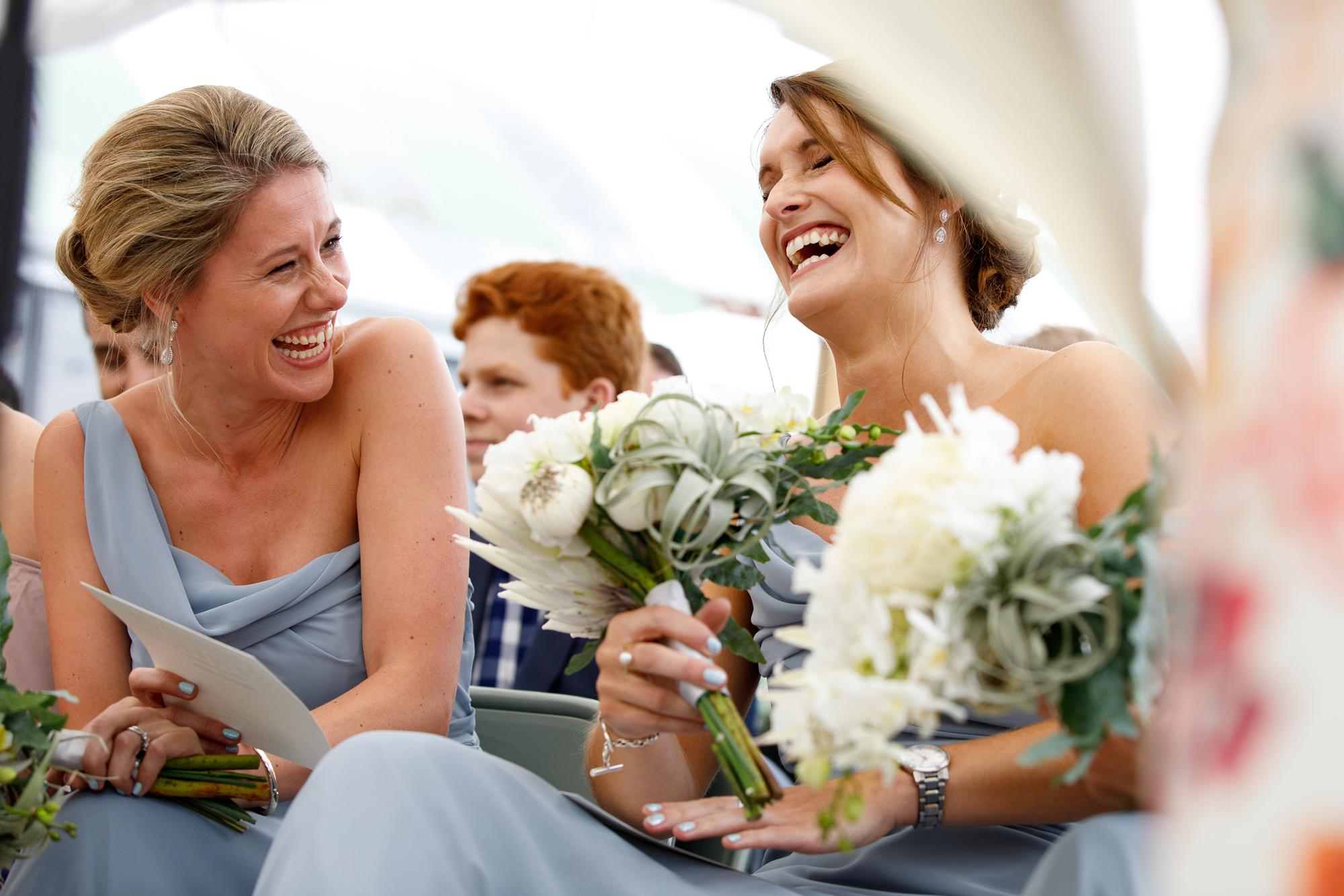 A.P Bloem wedding bruiloft florist Amsterdam flowers bloemen trouwen bloemen bloemenwinkel white tropical bride bruidsboeket bride bouquet bruiloft hangar noord event evenement tropical bride bruid groom bruidgrom bridesmaids